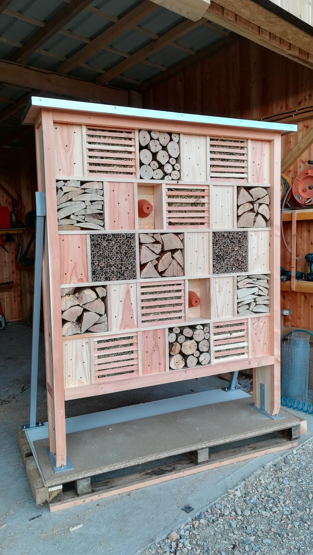 Armoire a pollinisateurs